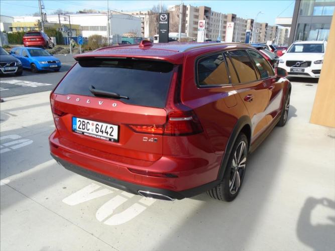 Volvo V60 2,0   D4 AWD Cross Country 8AT