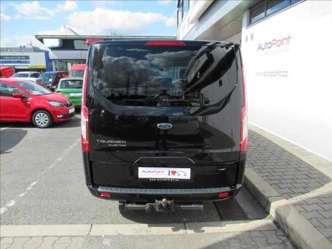 Ford Tourneo Custom 2,0 TDCi 6AT 310L2 Titanium 8míst