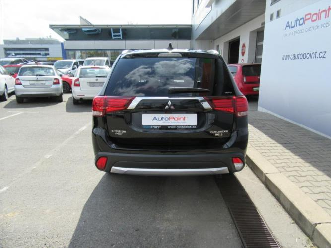 Mitsubishi Outlander 2.2 Di-D 6AT Intense+ 4WD*
