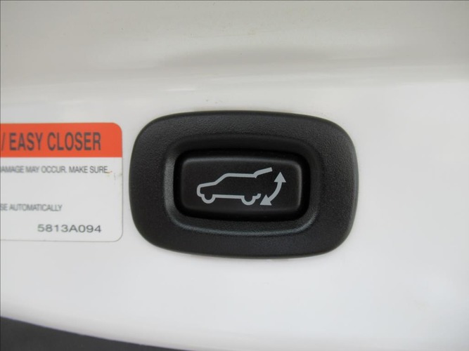 Mitsubishi Outlander 2.2 Di-D Instyle NAVi 6MT 4WD