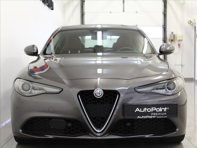 Alfa Romeo  2.2 JTDM AT Super