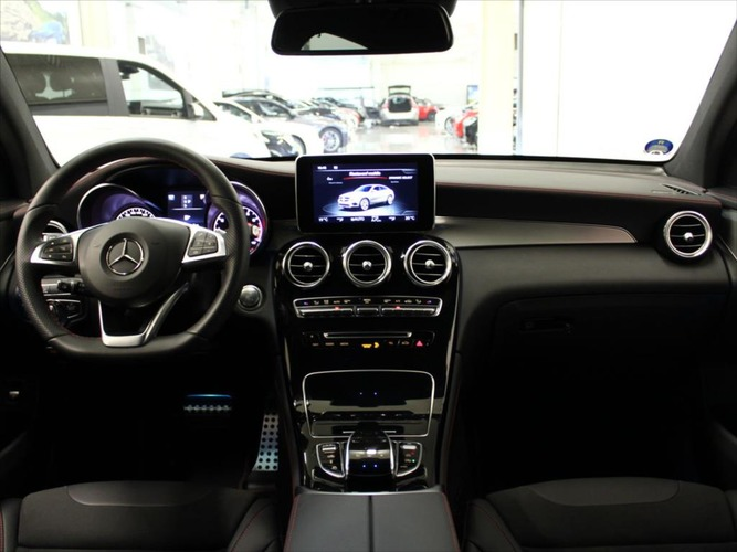 Mercedes-Benz  3,0 43AMG Coupe 4matic Distronic