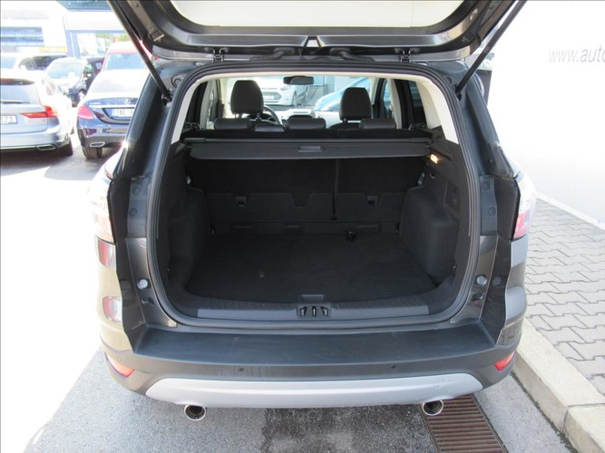 Ford Kuga 1,5 EcoBoost Titanium 6MT