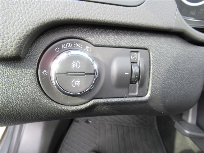 Opel Insignia 2,0 CDTi Cosmo 6MT AKCE!